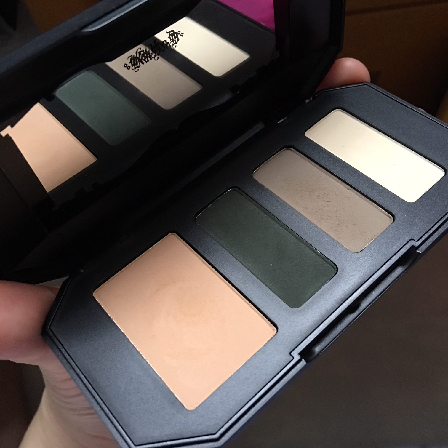 Kat Von D Shade and Light Eye Contour Quad + Studded Kiss Lipstick Review